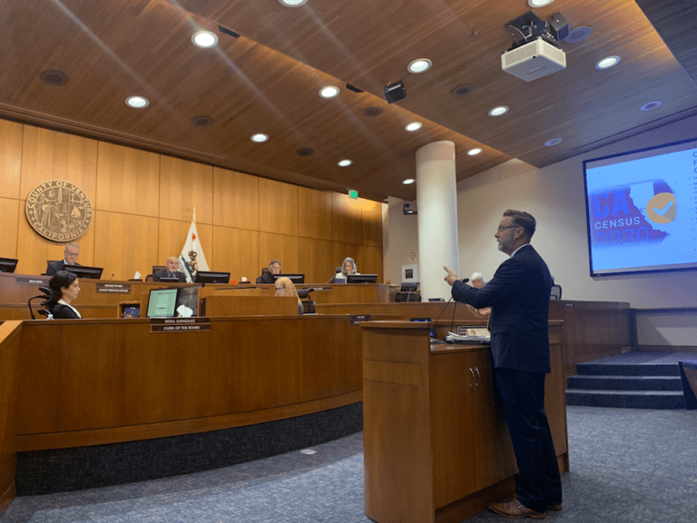 Mike Pettit addresses the Ventura County Board